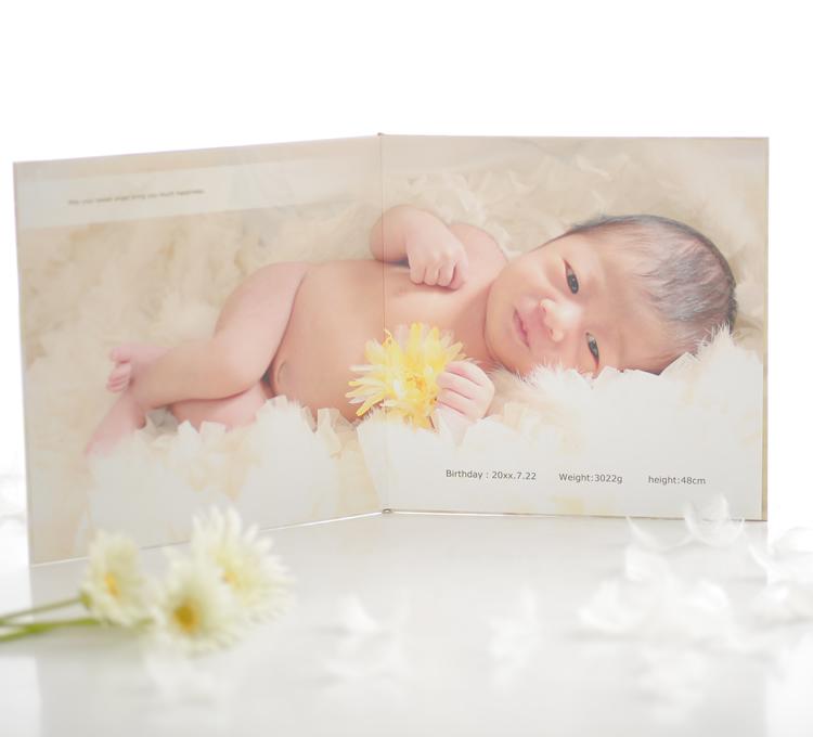 新生児フォト専用のオリジナルアルバムあります